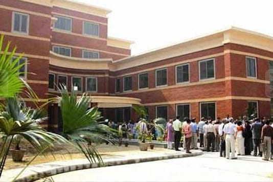 DU undergrad in now a four-year course