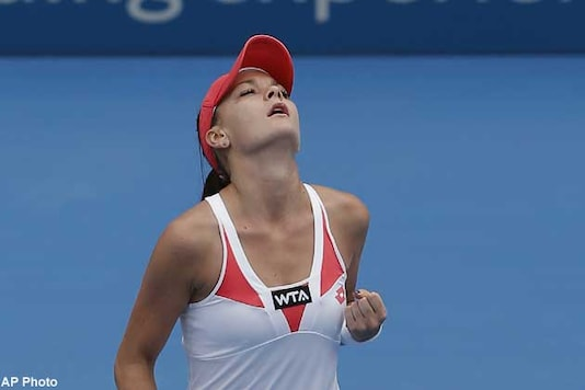 Radwanska downs Li Na to enter Sydney final