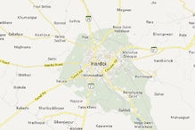 Hardoi: Youth electrocuted while charging mobile phone