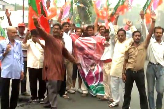 Stray violence mars Bihar bandh, senior BJP leaders detained