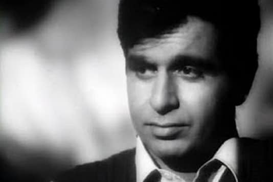 Veteran actor Dilip Kumar is admitted to Lilavati Hospital