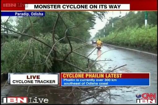 Cyclone Phailin: Storm hits Odisha coast, windspeeds over 200 kmph