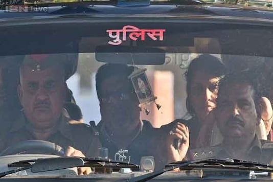 Aarushi-Hemraj killers Rajesh and Nupur wept inconsolably in jail