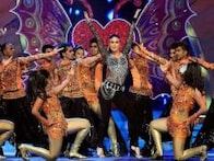 Kareena, Salman, Sunny Leone: Bollywood stars perform at Big Star Entertainment Awards