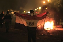 Egypt: Police clashes with Islamist protestors at Tahrir Square