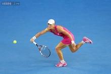 Sam Stosur advances to 3rd round at Australian Open