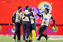 CCL: Forget cricket, Bollywood actresses glam up semi finals