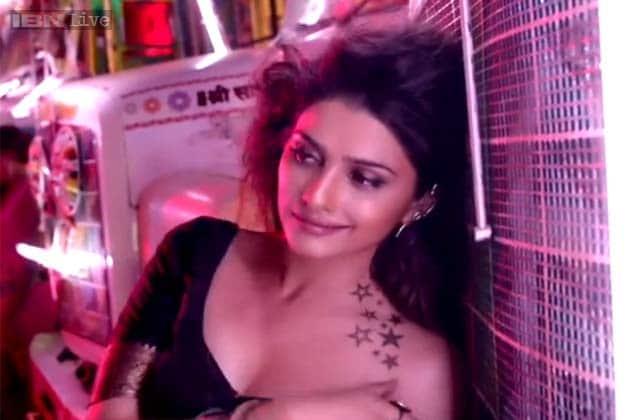 Sexy images of prachi desai