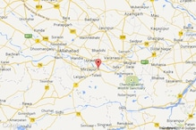 Police team attacked in a Mirzapur village, four cops injured