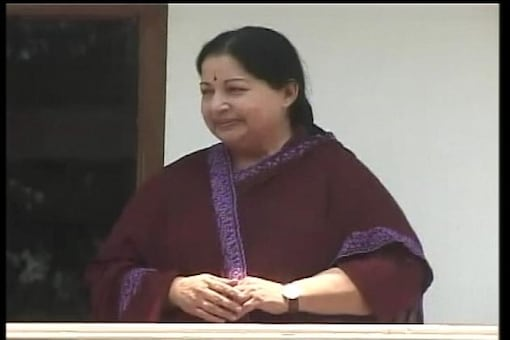 Tamil Nadu: Congress MP comes out openly in 'moral support' of Jayalalithaa
