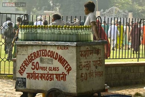 Photocopies, food, condoms, and a cleaner city: 19 important things you can buy for just 1 rupee in India