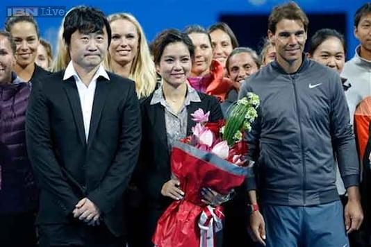 Li Na receives teary goodbye at China Open