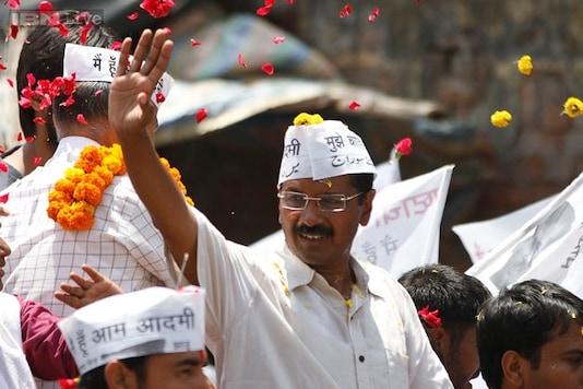 Arvind Kejriwal calls himself 'baniya', woos traders ahead of polls