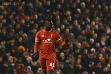 Mario Balotelli rescues Liverpool as top-4 race intensifies