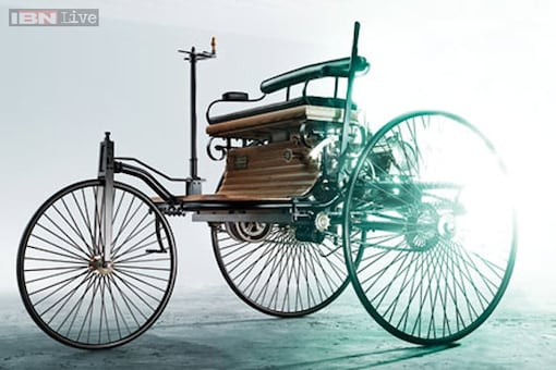 Vintage cars, motorbikes head out for the 21 Gun Salute International Vintage Car Rally in Delhi, Gurgaon on February 21-22