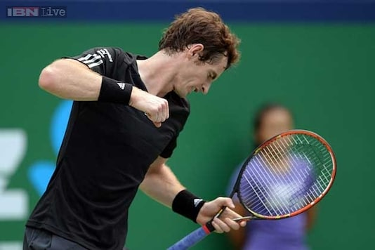 Andy Murray eases into 2nd round of World Tennis Tournament