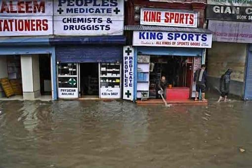 Flood threat eases in Kashmir as rain stops