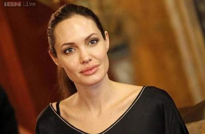 angelina-jolie-apr17