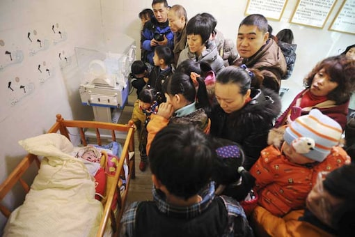 China may scrap its 'one-child policy'over fears of an ageing society