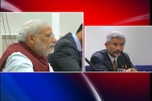 Modi meets Xi Jingping, conveys concerns on China's Stand in UN on Lakhvi's Release