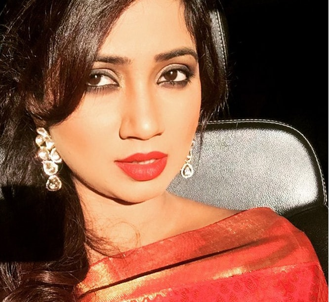 Shreya Ghoshal Becomes Instagram Hit With Backstage Selfie Holiday