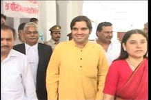 Poor turnout at party workers' meet puts off Varun Gandhi