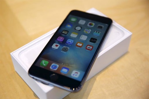 The Apple iPhone 6, which was announced in September 2014, was made available in 16GB, 64GB and 128GB storage options officially. However, the Cupertino-based tech giant has reportedly announced a 32GB storage variant exclusively for the Asian market. (Photo: Reuters)