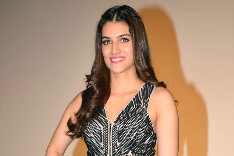 kriti sanon elated by the response to her first stage performance
