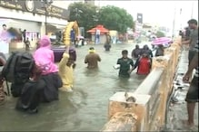 Chennai police use rescue boats to evacuate stranded locals