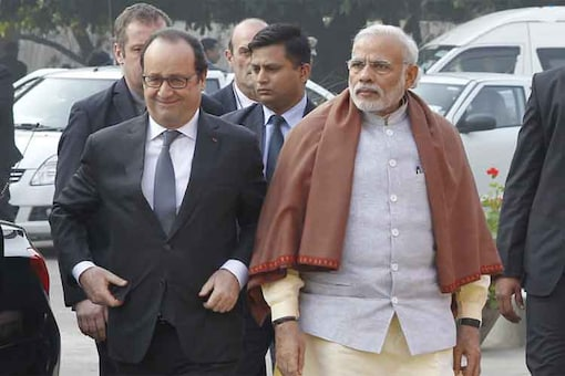 Hollande, Modi to discuss Rafale jet deal; intergovernmental agreement to be signed