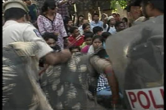Students versus Centre fight turns Hyderabad Central University into a quagmire