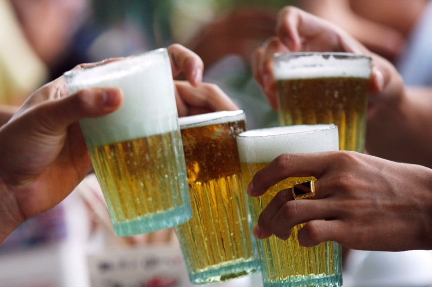 Heavy Drinking May Harm Men More Than Women