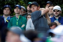 Two late bogeys leave McIlroy four strokes from lead at Masters