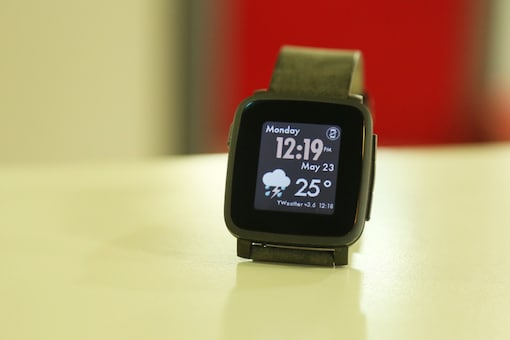 If You're on a Budget, Pebble Time Steel is the Smartwatch For You