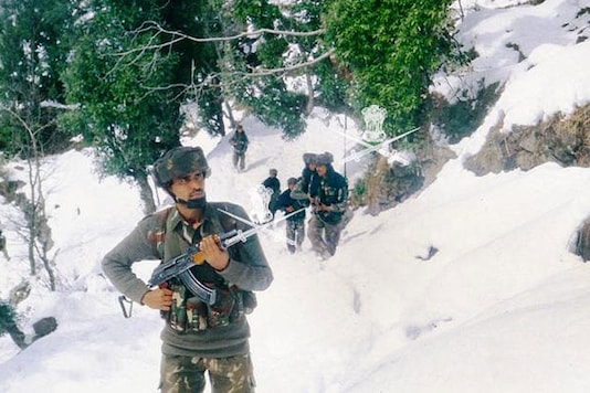 Representative Image: Indian Army soldiers patrol in the jungles of Kashmir. (Photo: Indian Army Website)