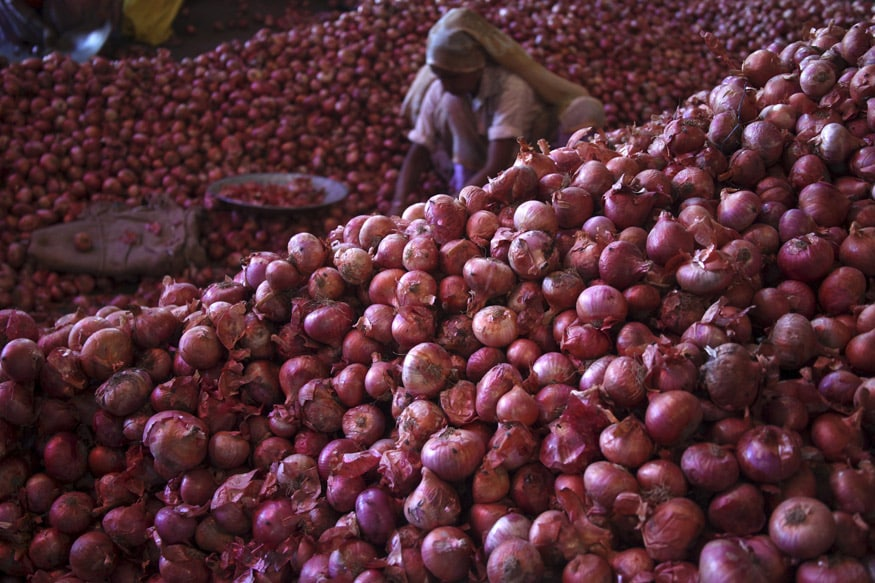 Restaurants May Hike Prices of Dishes if Onion Remains Costlier, Final Decision in 10 Days