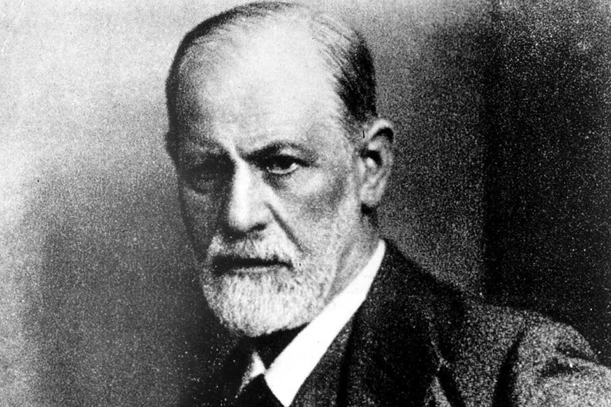Lord of The Shrinks: Israel Museum Exhibits Rings Sigmund Freud Used to Bind His Students
