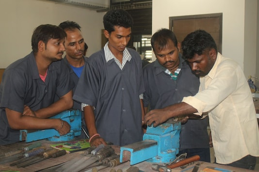 IIT Gandhinagar Gives Lessons in Carpentry and Plumbing to People of Grassroots