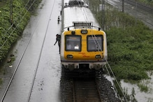 Mumbai Local Train Services on Central Line Disrupted After Overhead Wire Falls, 2 Women Injured