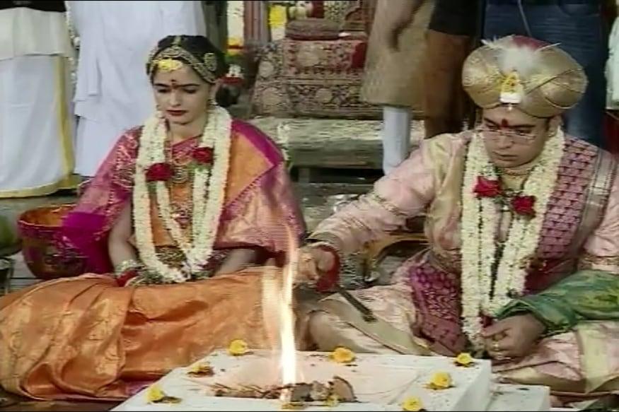 Royal Wedding at Mysore Palace, 'King' Yaduveer Ties Knot with Rajasthan  Royalty
