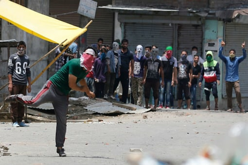 Kashmir Continues to Boil Over Wani's Death, Death Toll Touches 21