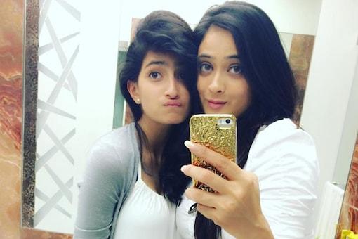 Shewta Tiwari with daughter Palak Tiwari (L)