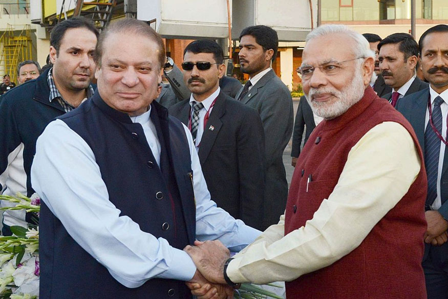 Pak Drama Spills Over to India as Congress, BJP Try to Score Political Points on Nawaz Sharif's Arrest