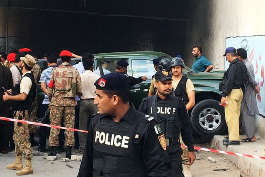 Two Killed, Eight Injured in Bomb Blast in Karachi
