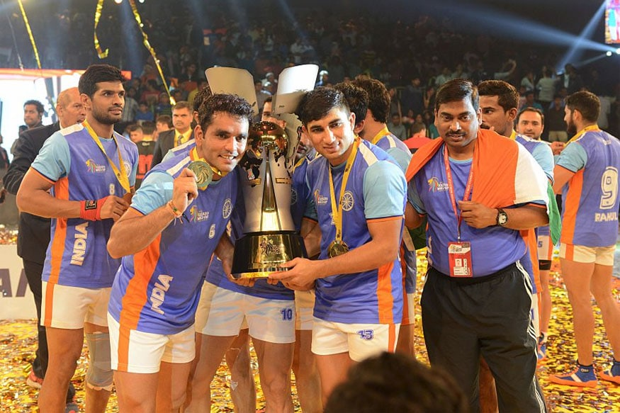 Indian kabbadi team with the Kabaddi World Cup 2016 trophy. (Getty Images)