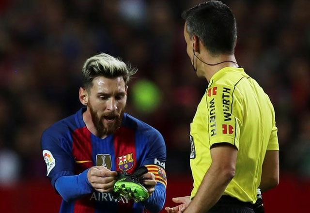 957b8ceff5f Barcelona Appeal Lionel Messi Yellow Card for Time Wasting Against Sevilla  - News18