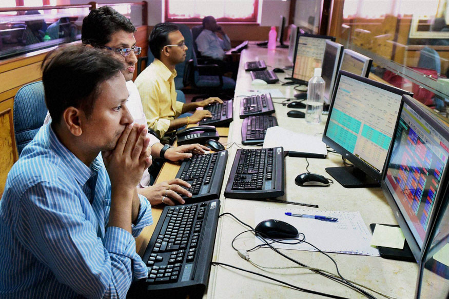 Sensex Rises 74 Points in Volatile Trade Ahead of US Federal