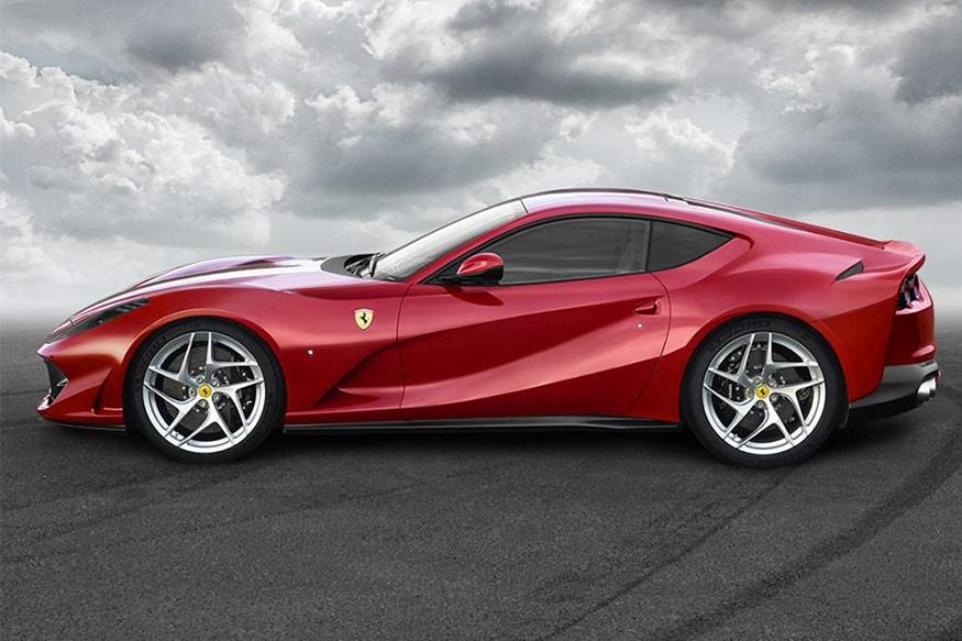 Ferrari-812-Superfast-Side