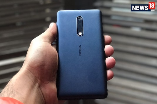 Nokia 5 will be up for sale starting August 15 in offline retail stores across India. (Image: News18.com)