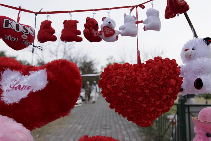 Happy Valentine's Day 2020: Wishes, Quotes and WhatsApp Messages to Wish Your Loved Ones